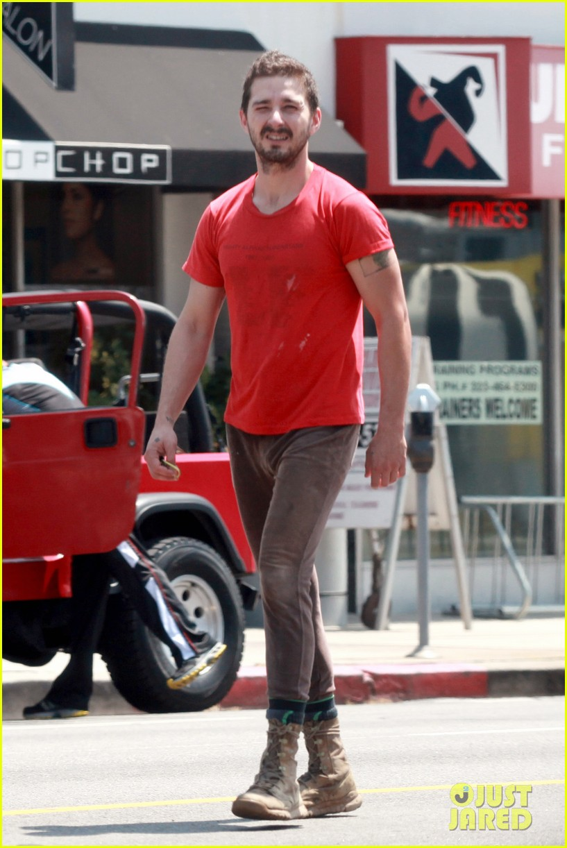 shia labeouf wears one of his favorite outfits for gym workout 063097434