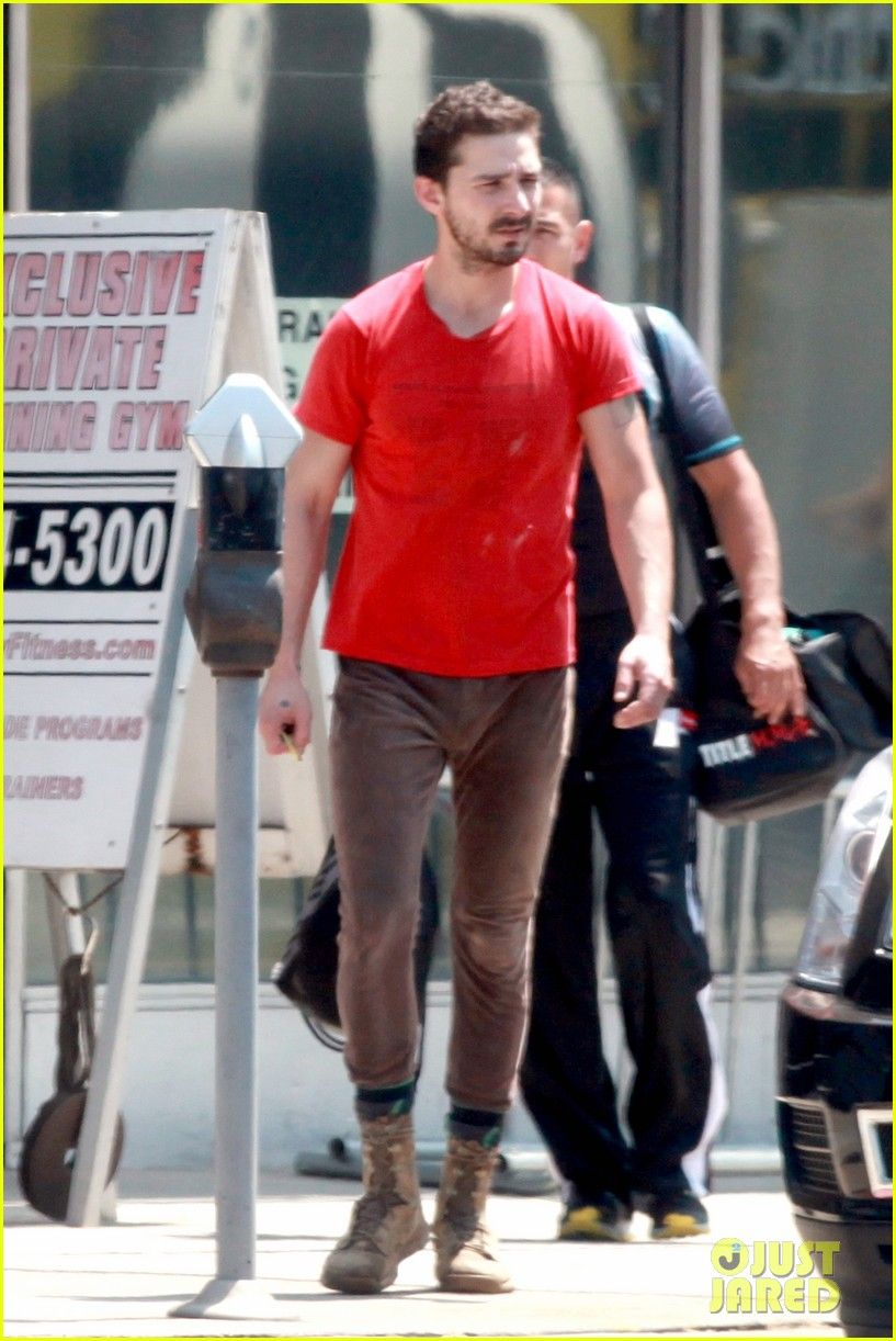 shia labeouf wears one of his favorite outfits for gym workout 093097437