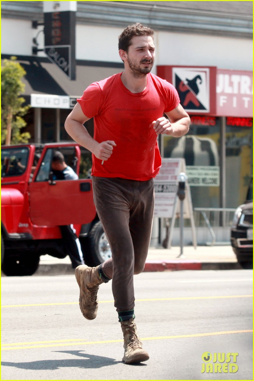 shia labeouf wears one of his favorite outfits for gym workout 10