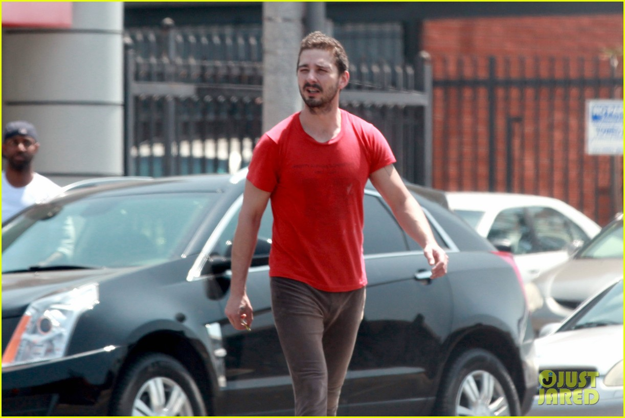 shia labeouf wears one of his favorite outfits for gym workout 153097443