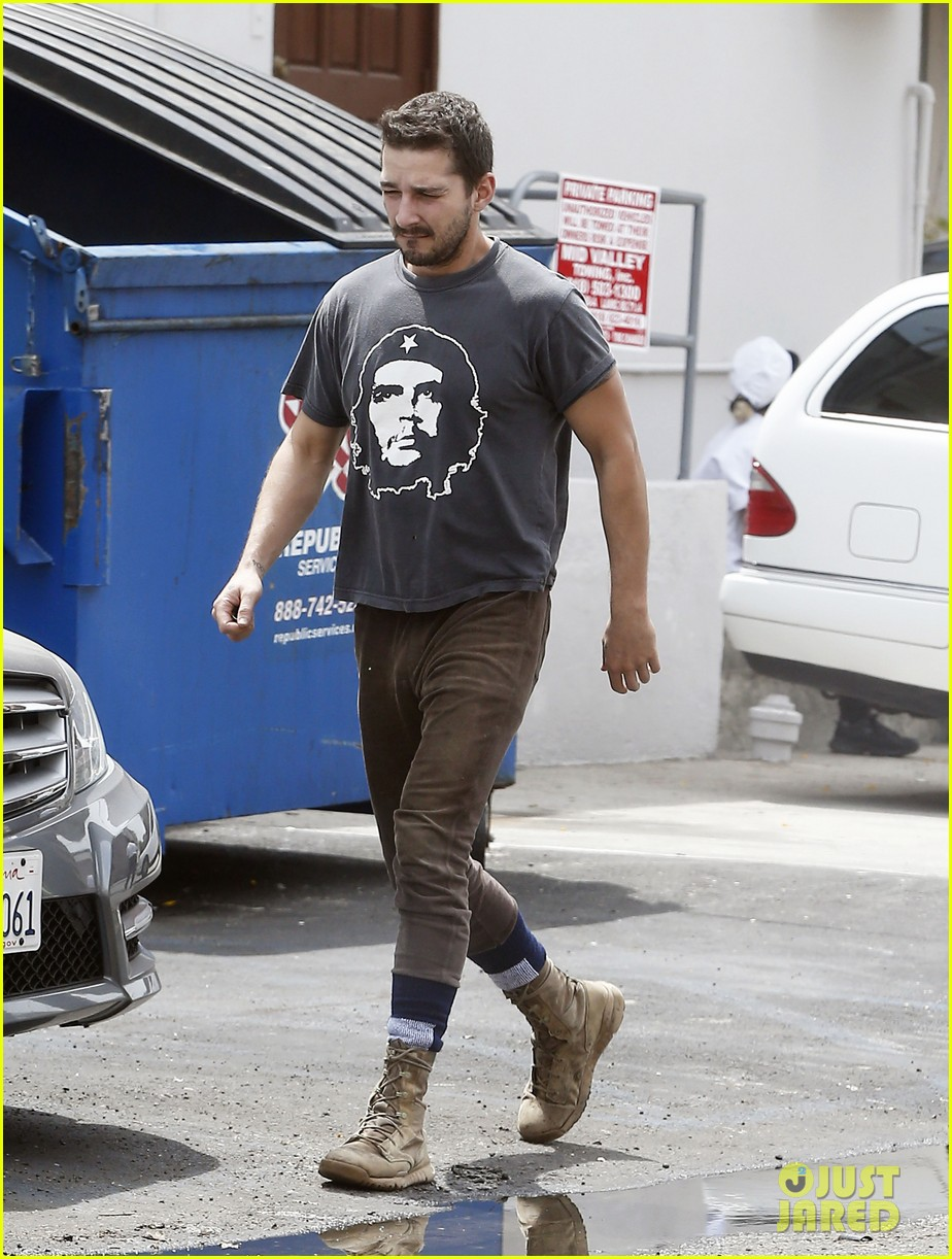 shia labeouf reportedly bought lunch for a homeless man 063094452