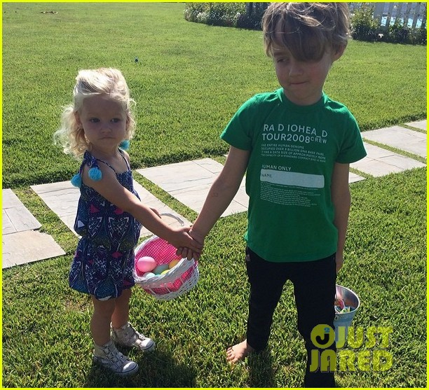 jessica ashlee simpsons kids maxwell bronx look adorable together 023098178