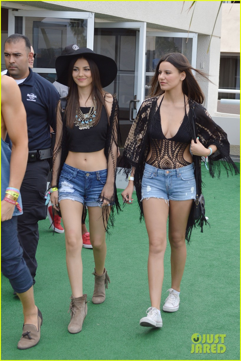 cody simpson meets up with victoria justice at coachella 043095417