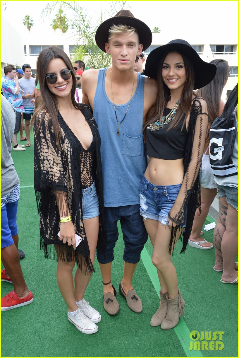 cody simpson meets up with victoria justice at coachella 113095424