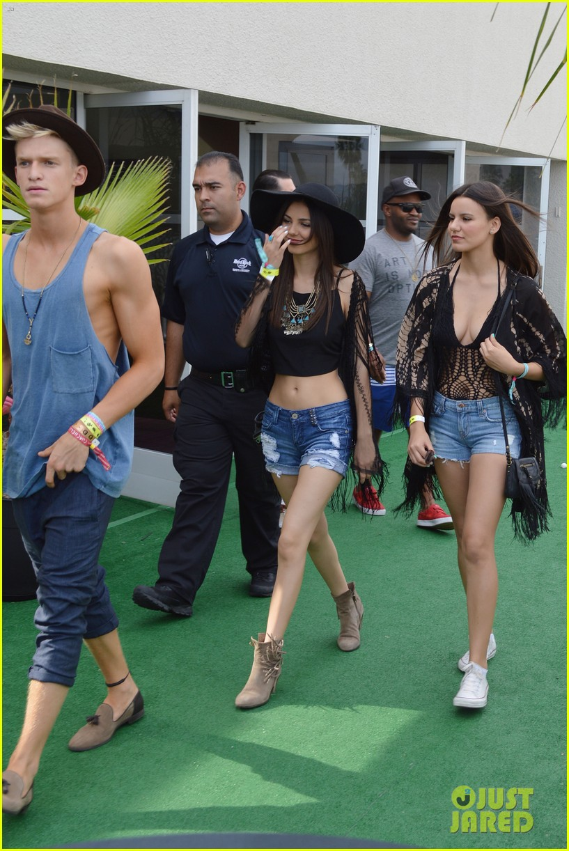 cody simpson meets up with victoria justice at coachella 123095425