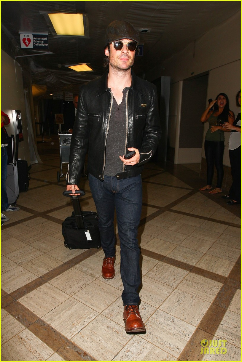 ian somerhalder smoldering hot at cap sunglasses 103093449