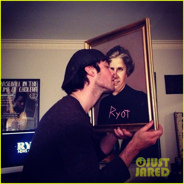 ian somerhalder makes out with a painting 03