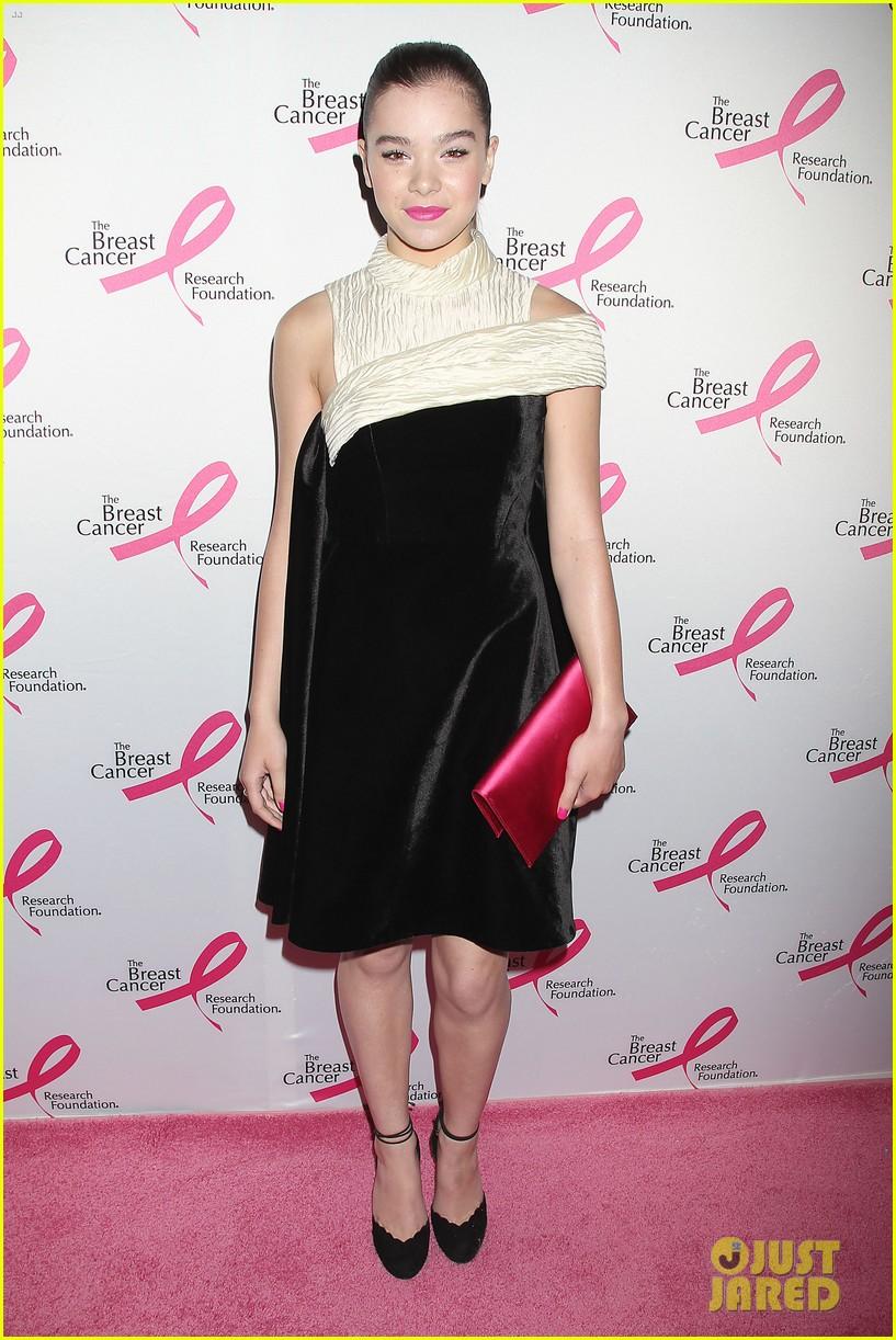 hailee steinfeld sara bareilles fight breast cancer 073101031