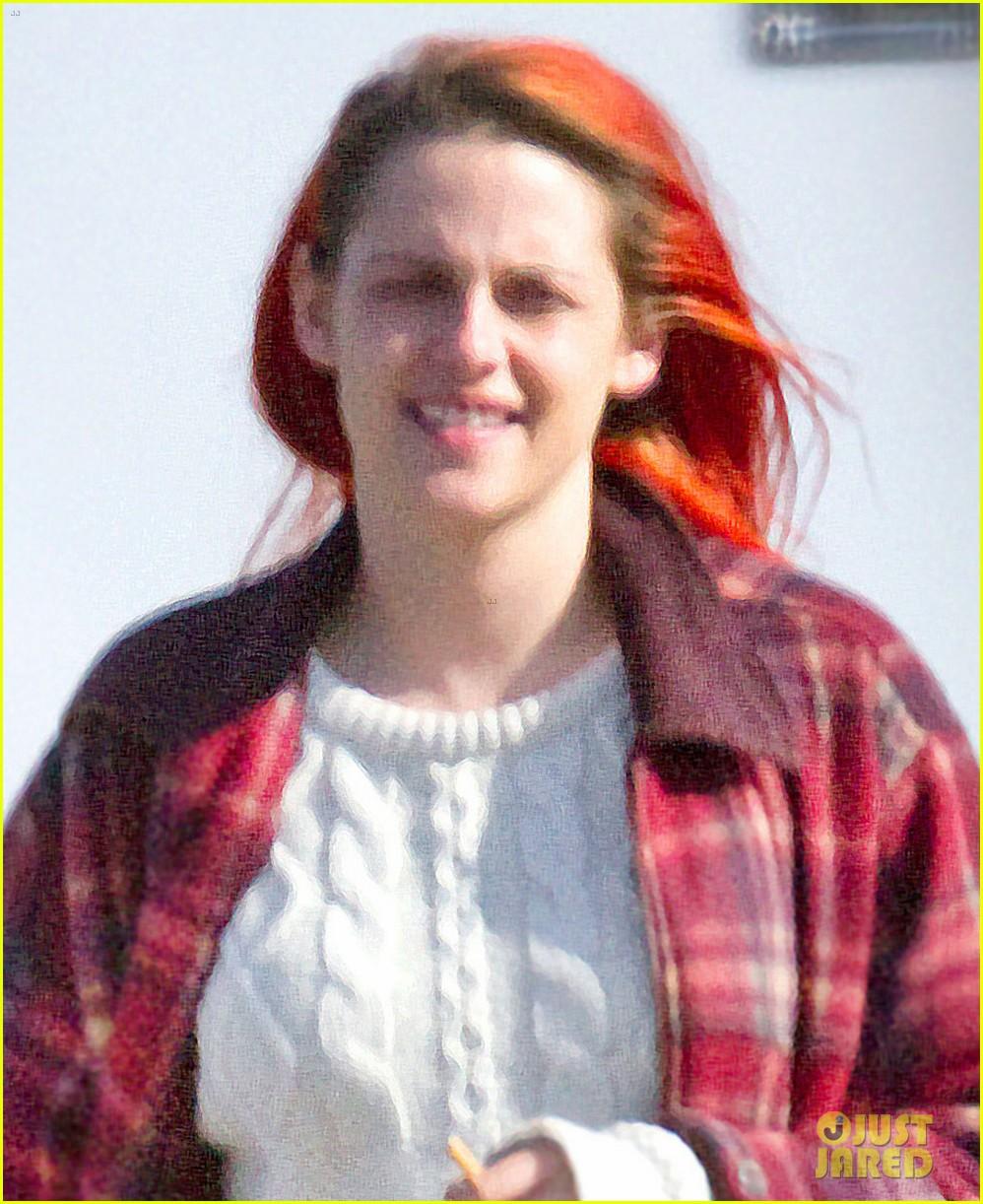 kristen stewart fiery red hair american ultra set 023092840