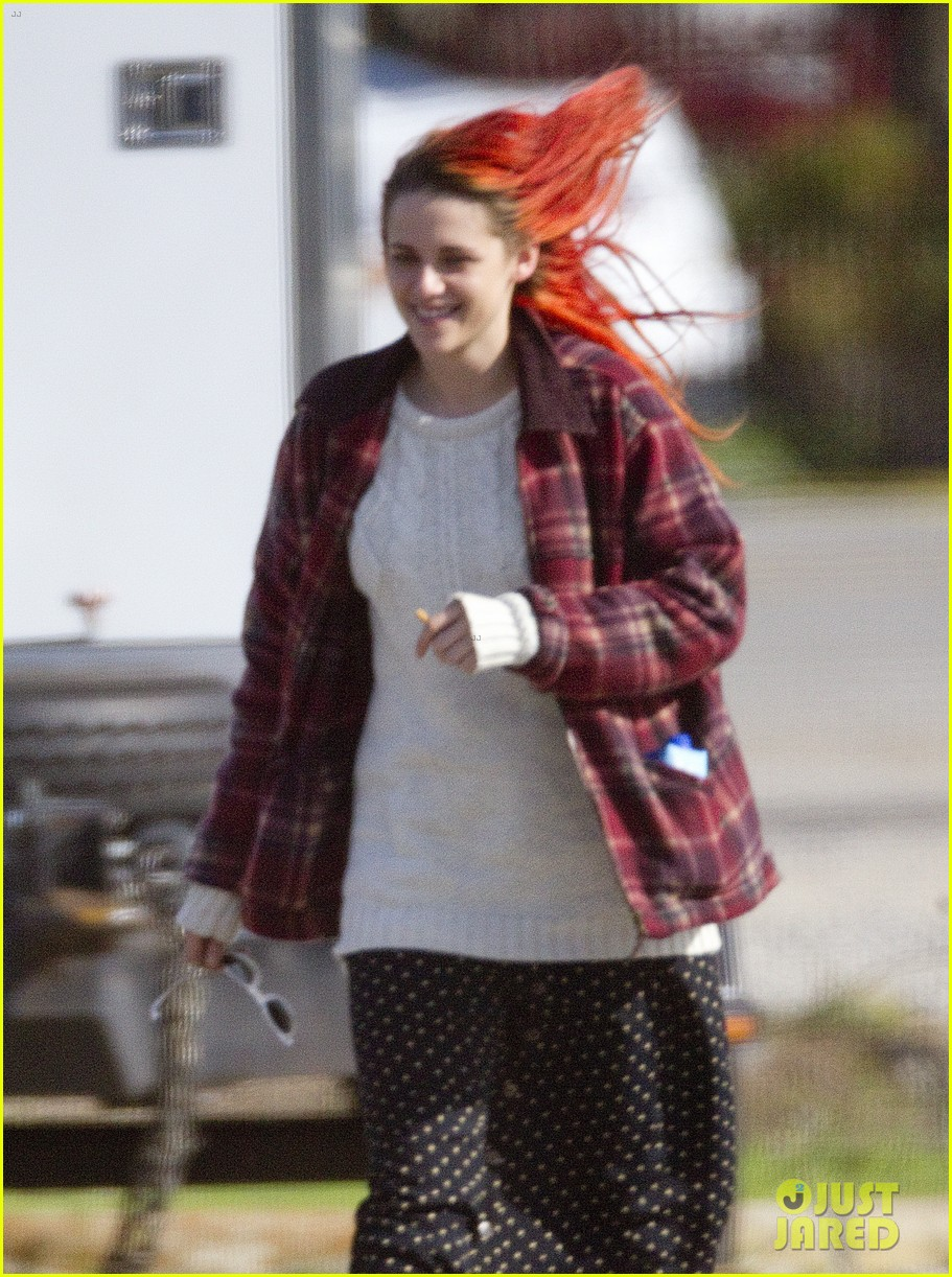 kristen stewart fiery red hair american ultra set 043092842