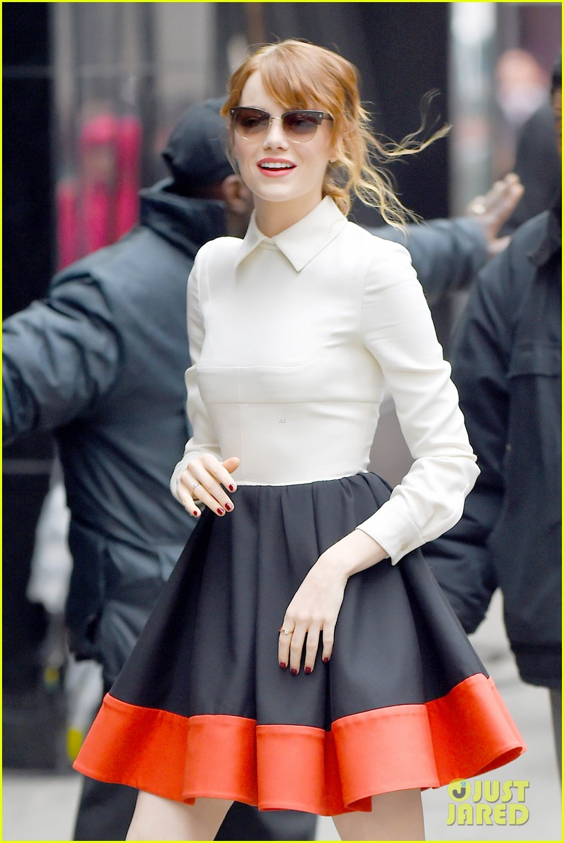 emma stone admits she loves andrew garfield on gma 10
