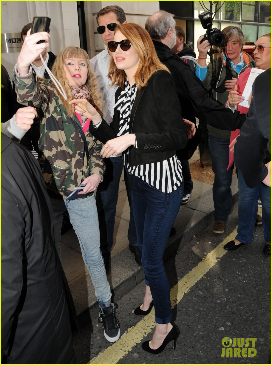 emma stone meets spoty spice freaks out 103088523