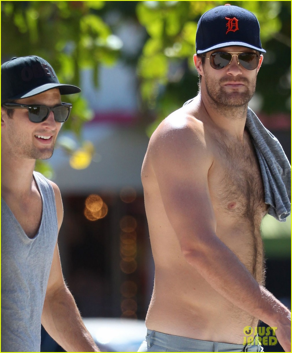 enlisted geoff stults parker young naked chat time 043086532