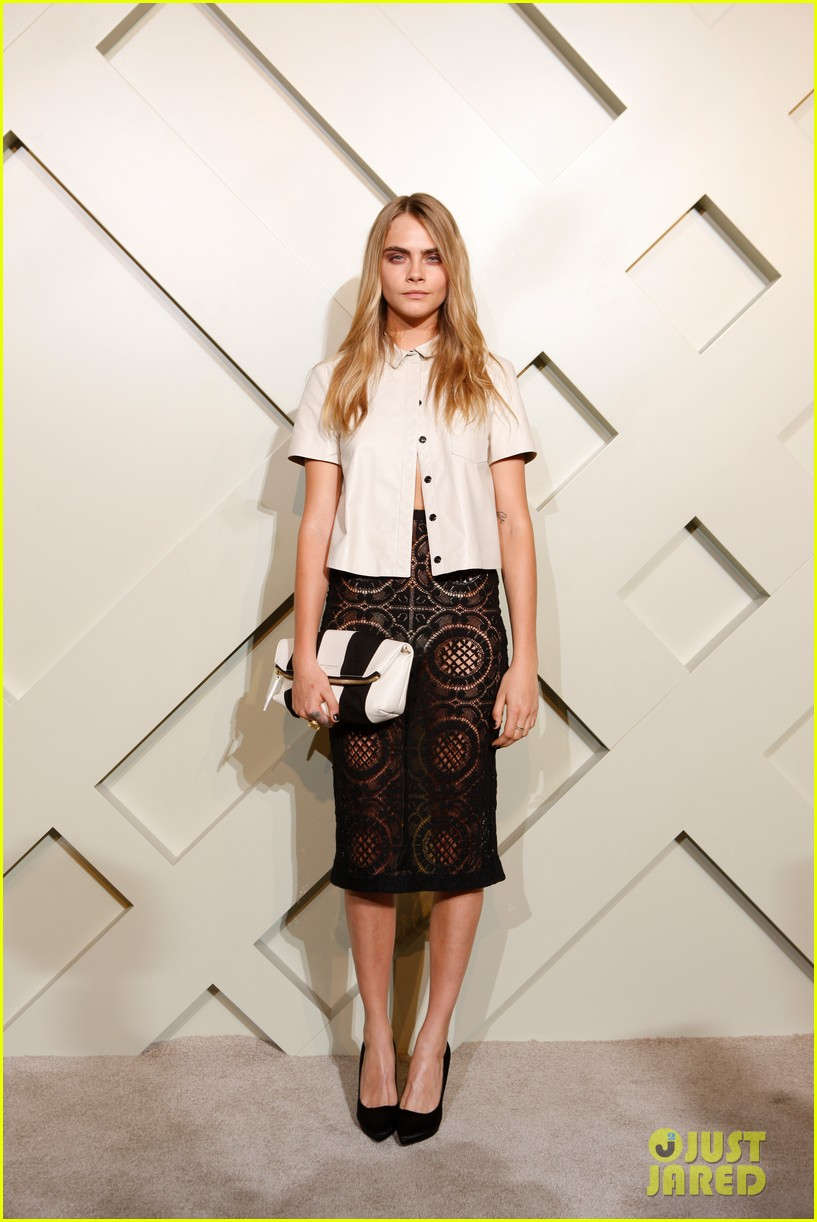 suki waterhouse shows off some serious leg at burberry shanghai opening 143098292