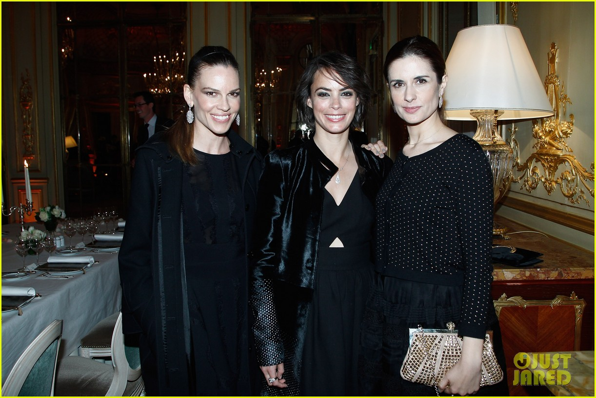 hilary swank joins berenice bejo at the chopard cocktail party 013088275