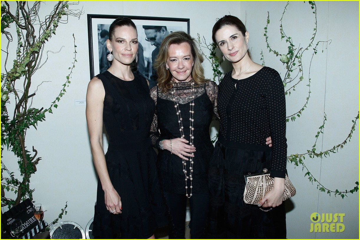 hilary swank joins berenice bejo at the chopard cocktail party 043088278
