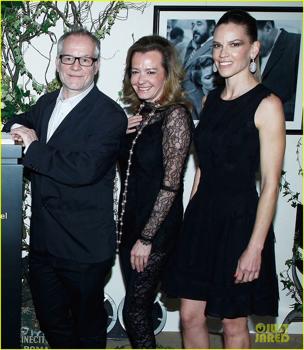 hilary swank joins berenice bejo at the chopard cocktail party 103088284