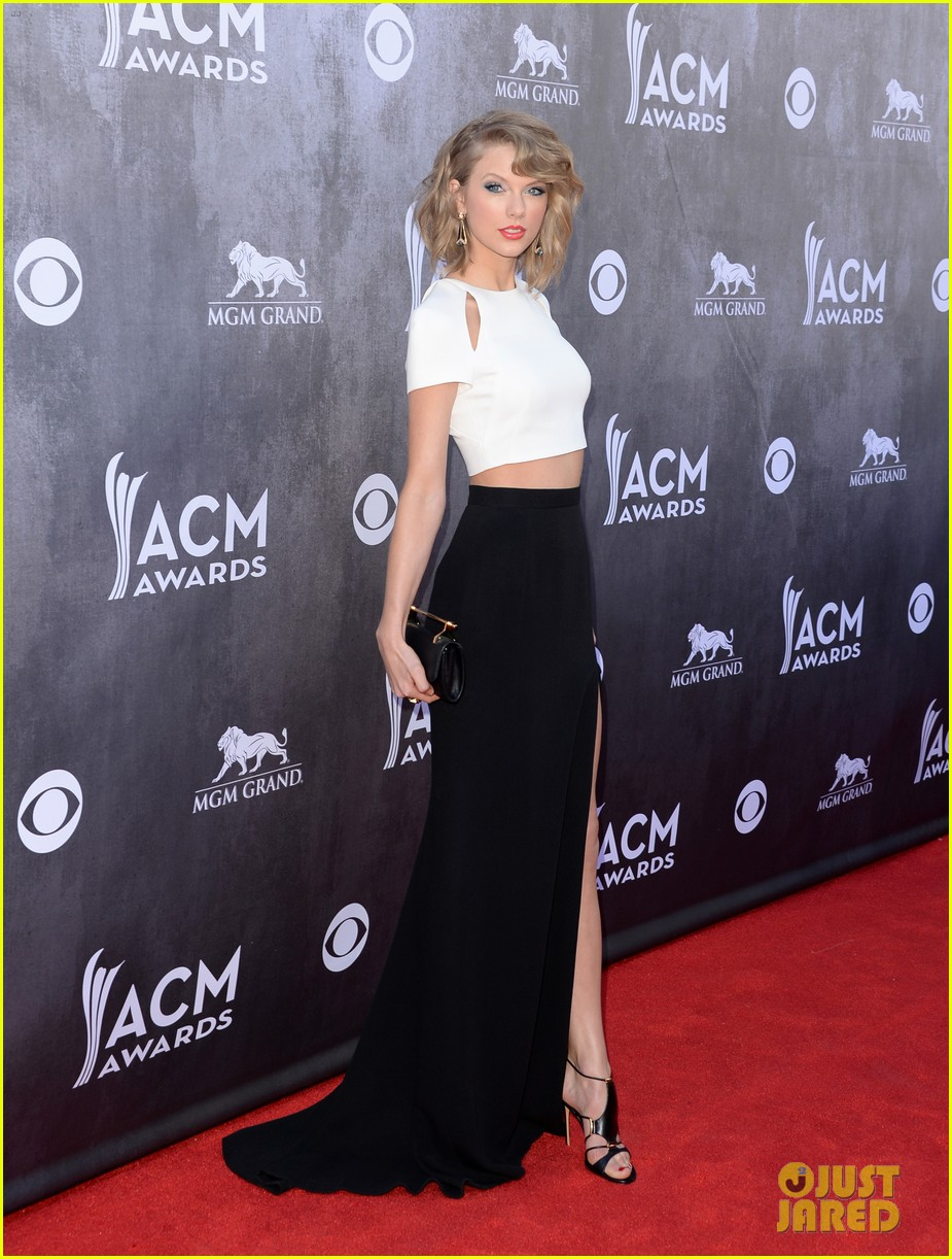 taylor swift acm awards 2014 red carpet 083085795