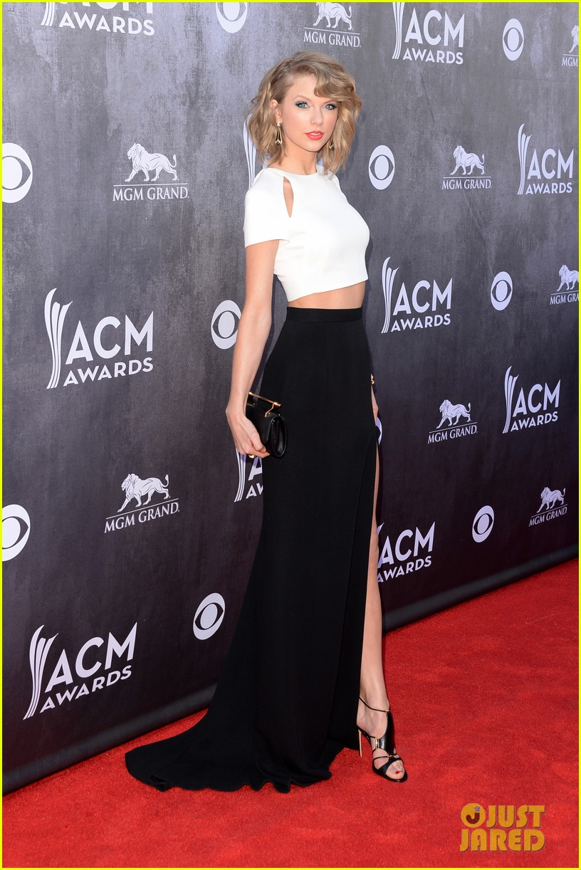taylor swift acm awards 2014 red carpet 173085804