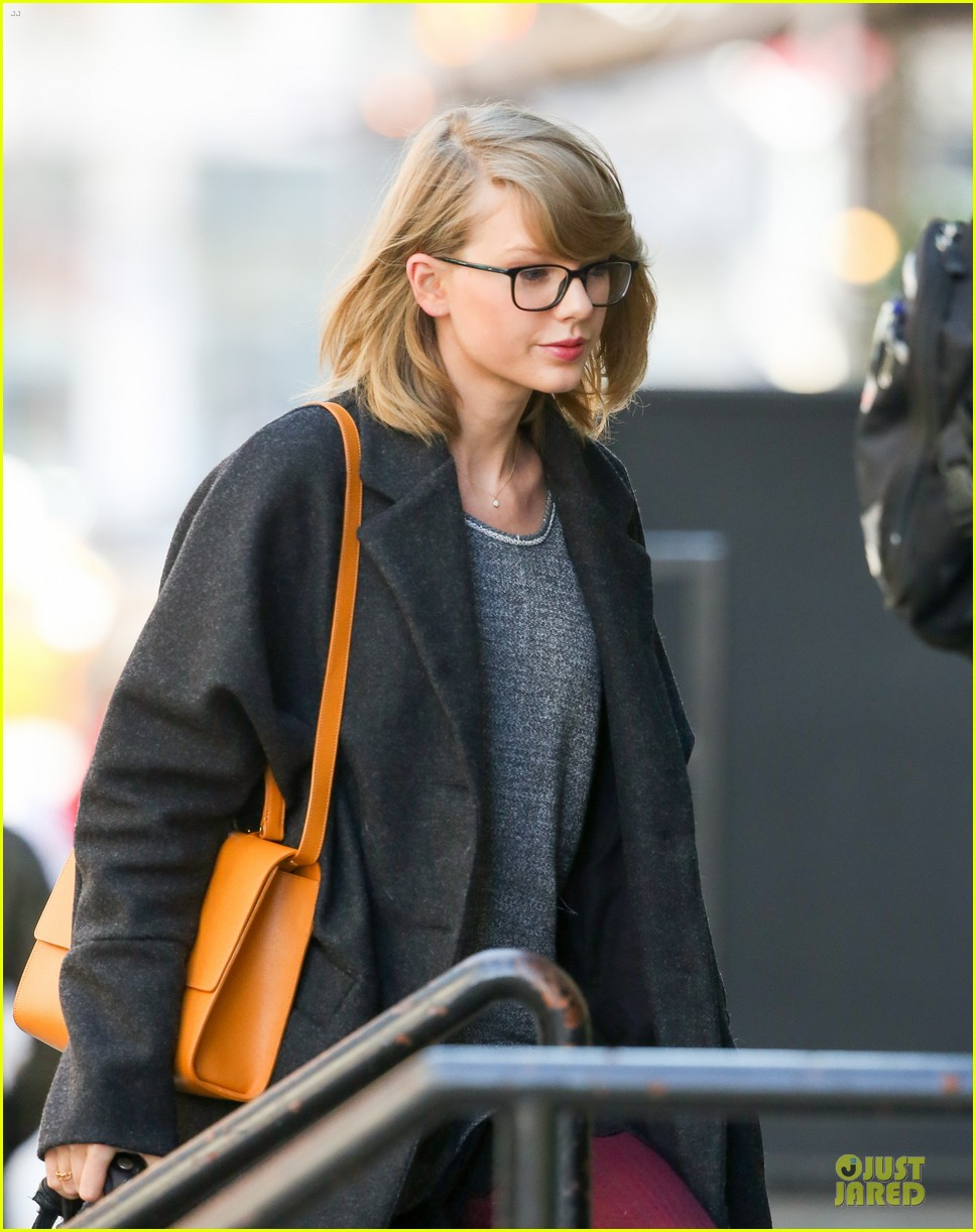 taylor swift apply ee cummings poems 043082970