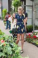 taylor swift celebrates earth day by going flower shopping 02