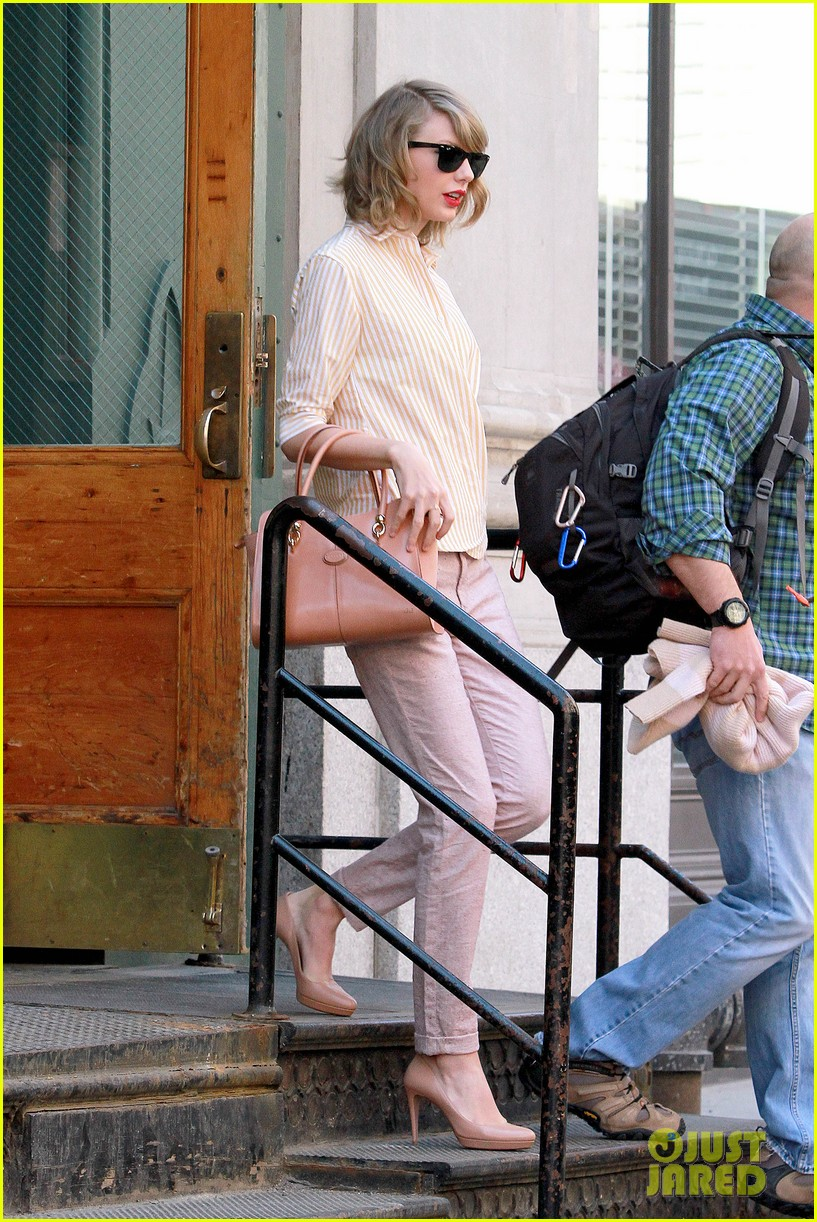 taylor swift makes another new friend in olympian gracie gold 053088466