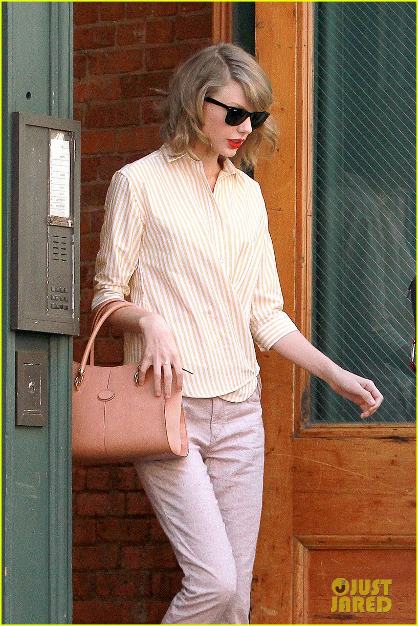 taylor swift makes another new friend in olympian gracie gold 103088471