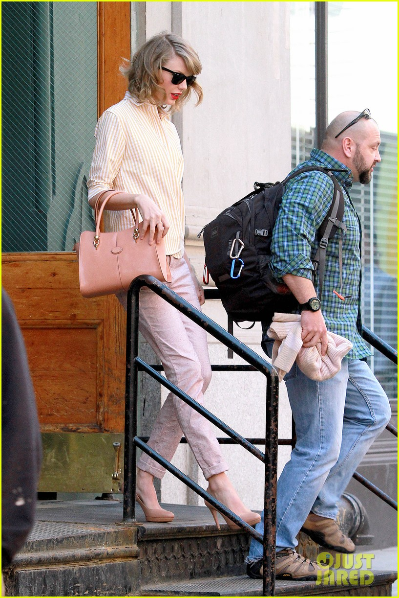 taylor swift makes another new friend in olympian gracie gold 173088478