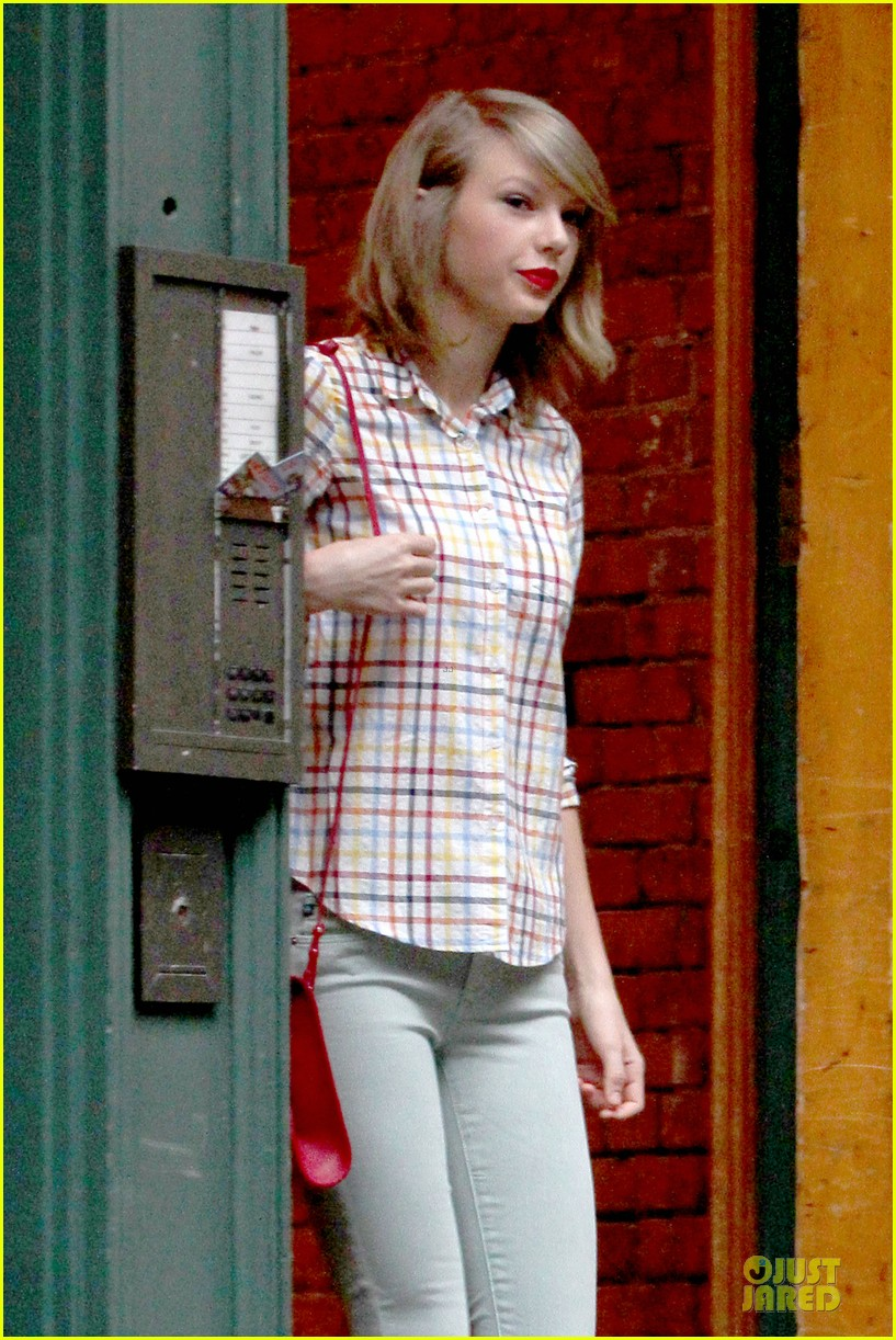 taylor swift hipster in nyc 043092777