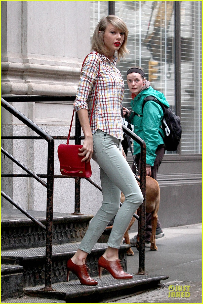 taylor swift hipster in nyc 05