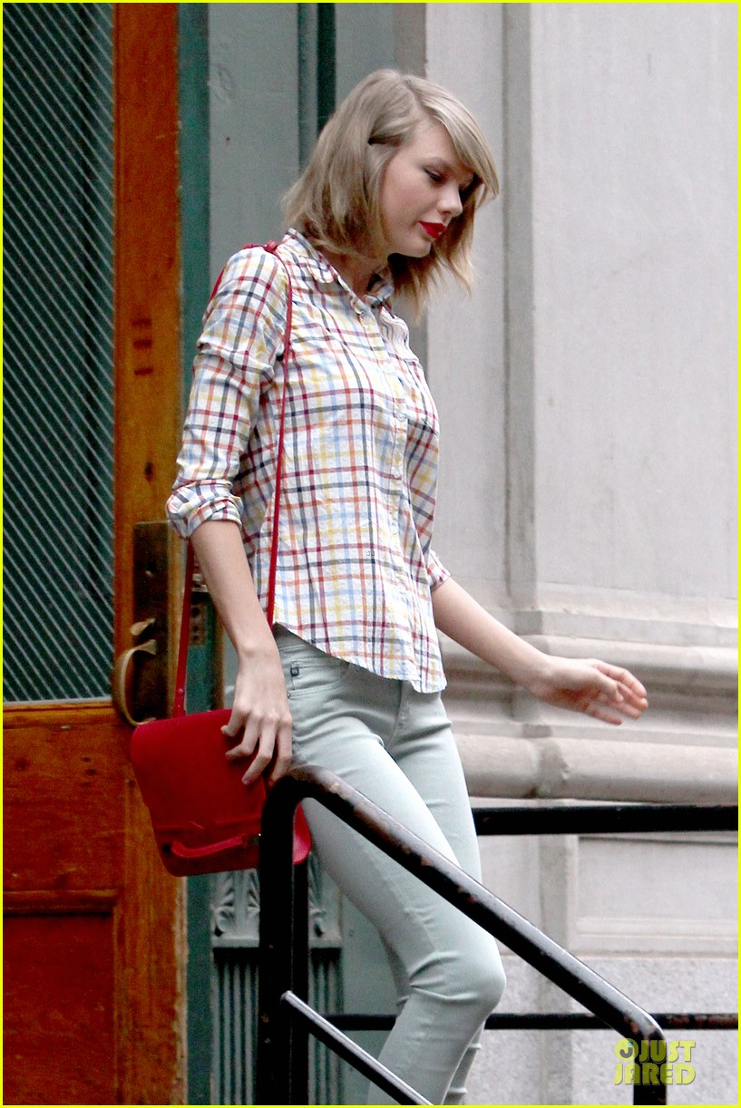 taylor swift hipster in nyc 103092783