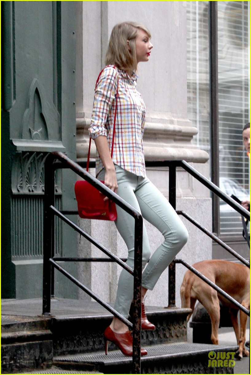 taylor swift hipster in nyc 15