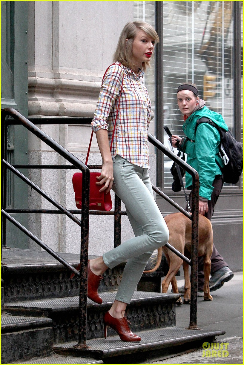 taylor swift hipster in nyc 163092789