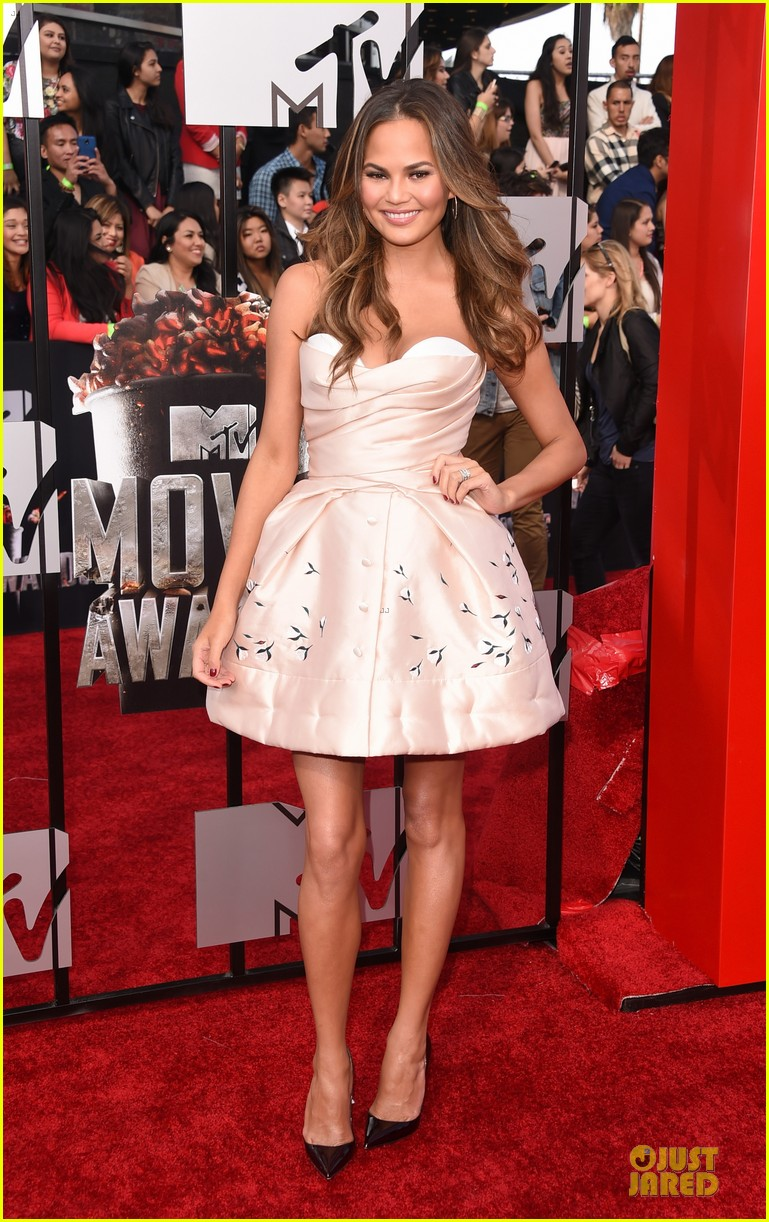 chrissy teigen mtv movie awards 2014 033091132