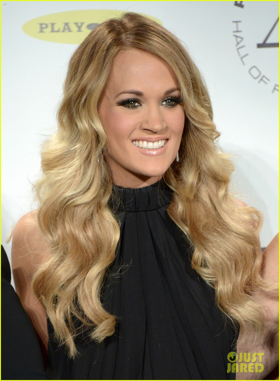 carrie underwood rock roll hall of fame induction 013088740