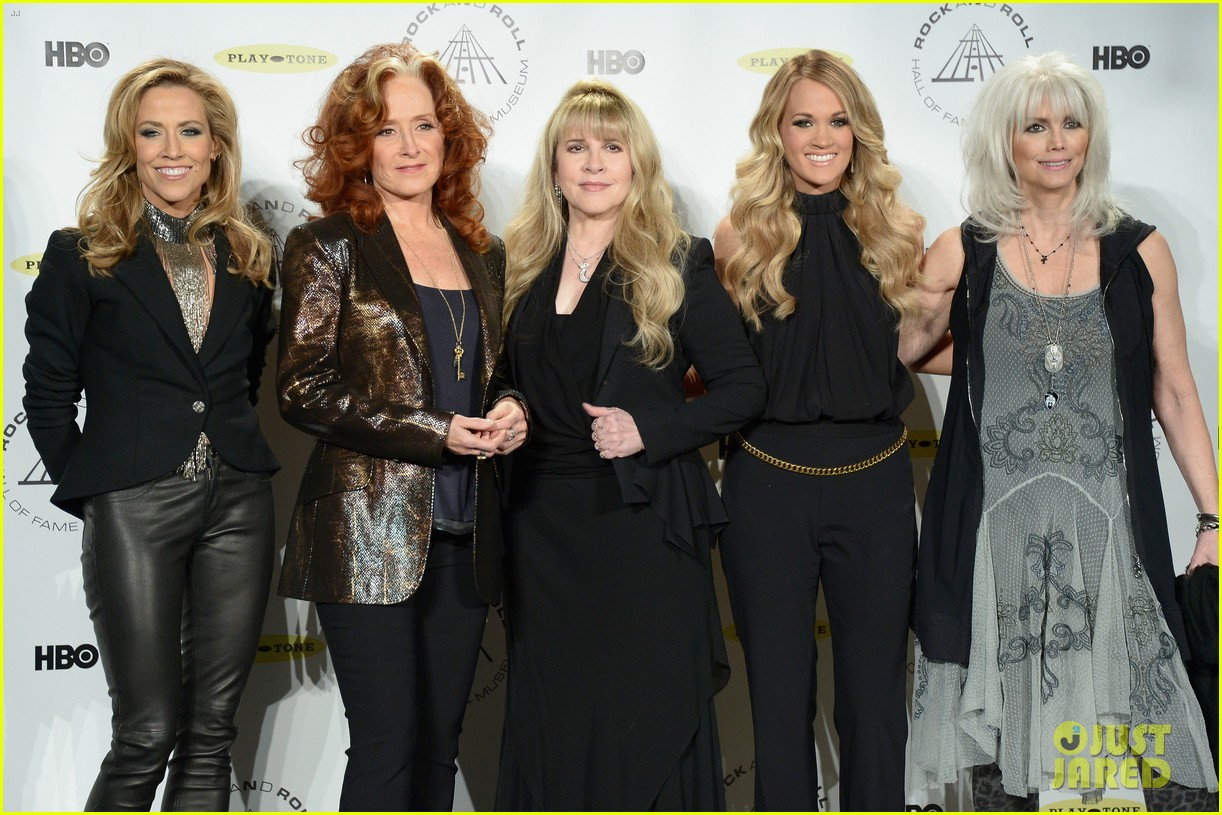 carrie underwood rock roll hall of fame induction 063088745