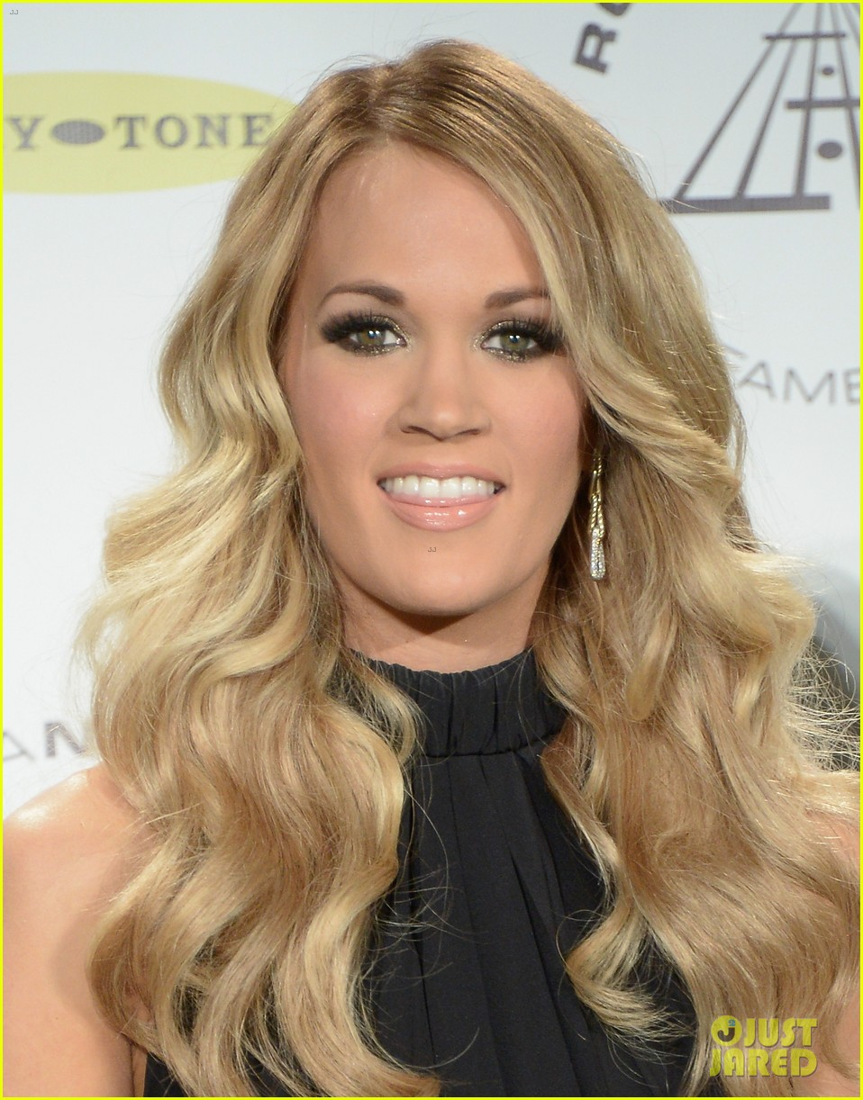 carrie underwood rock roll hall of fame induction 073088746