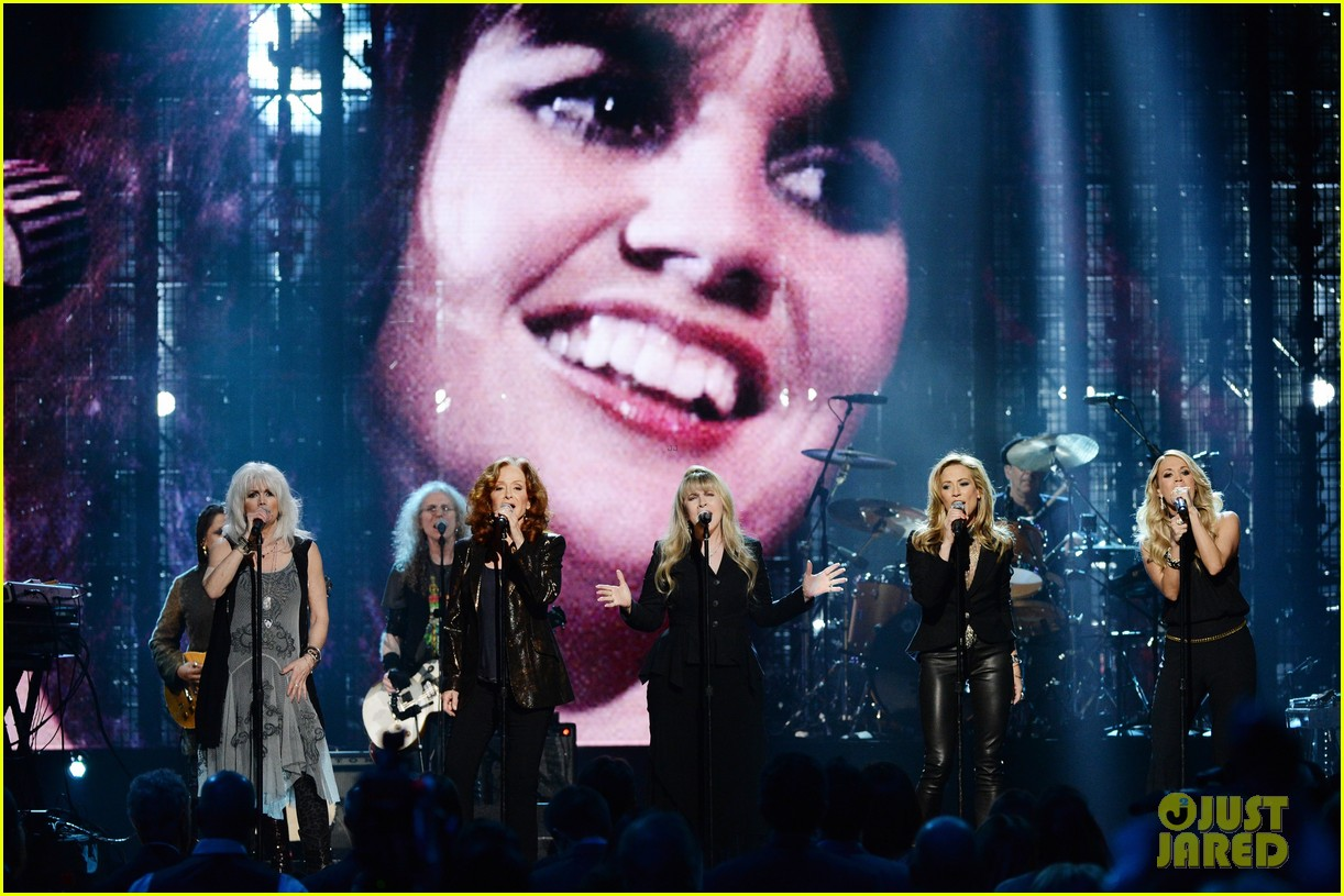 carrie underwood rock roll hall of fame induction 093088748