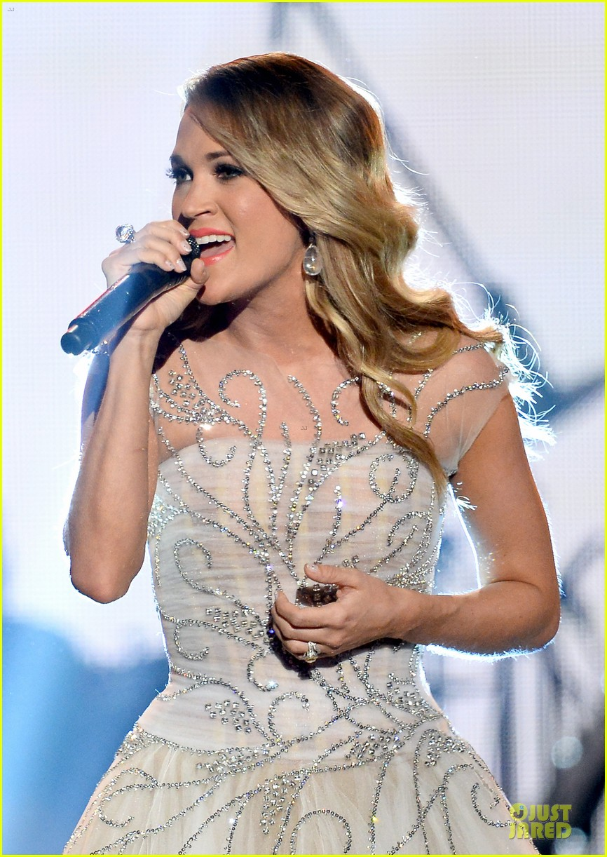 carrie underwood salute the troops 063086771