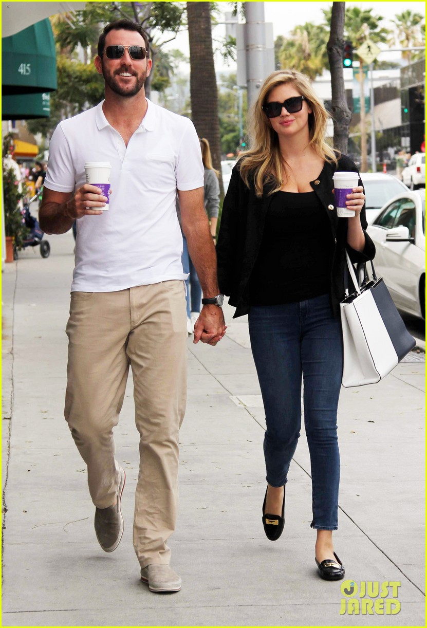 kate upton boyfriend justin verlander holding hands 013088850