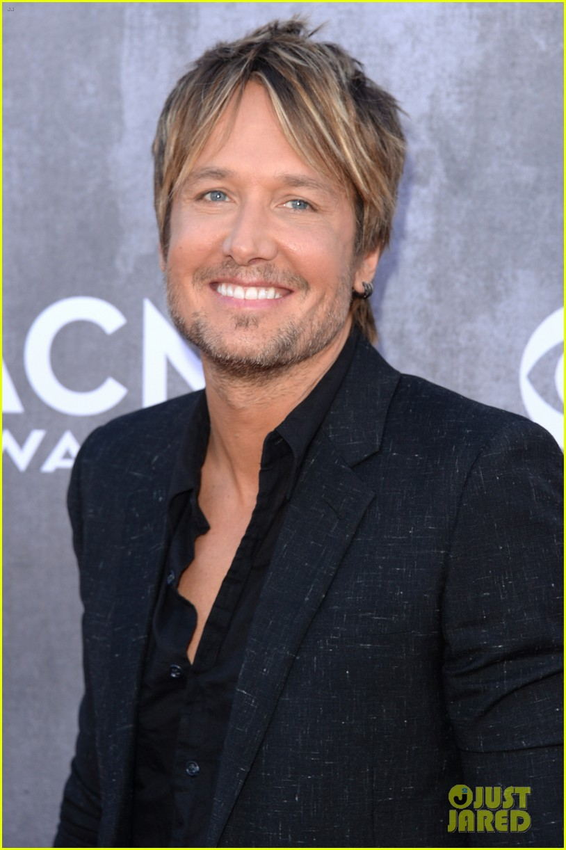 keith urban acm awards 2014 red carpet 01