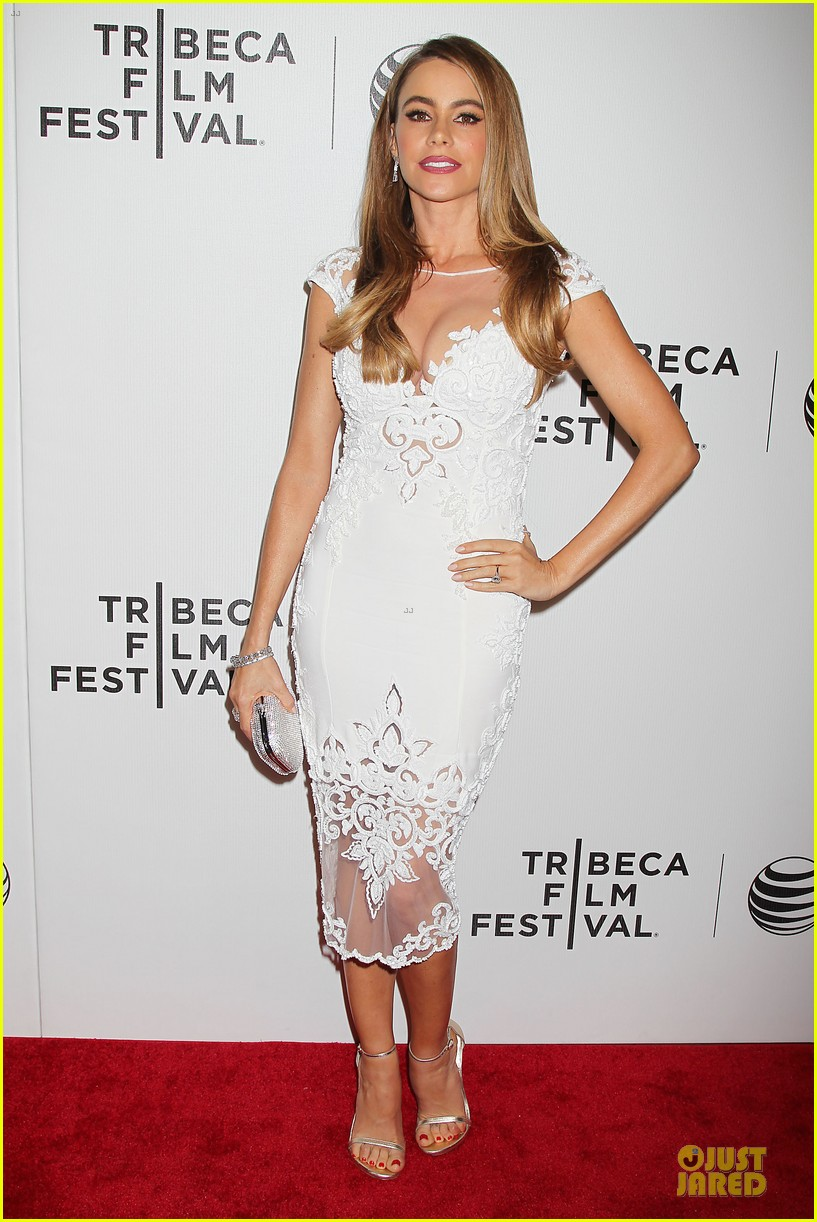 sofia vergara jon favreau premiere chef at tribeca 033097114
