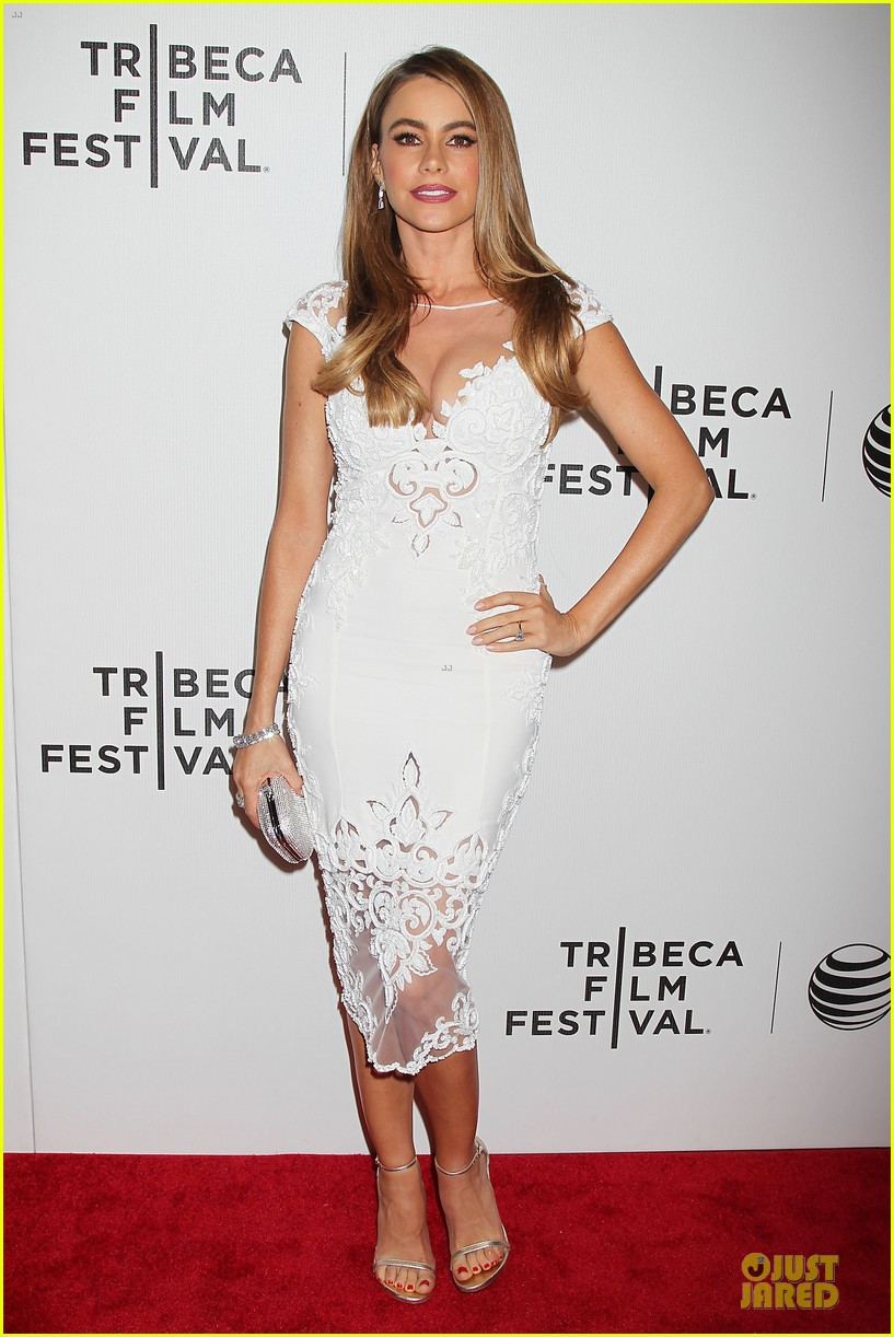 sofia vergara jon favreau premiere chef at tribeca 093097120