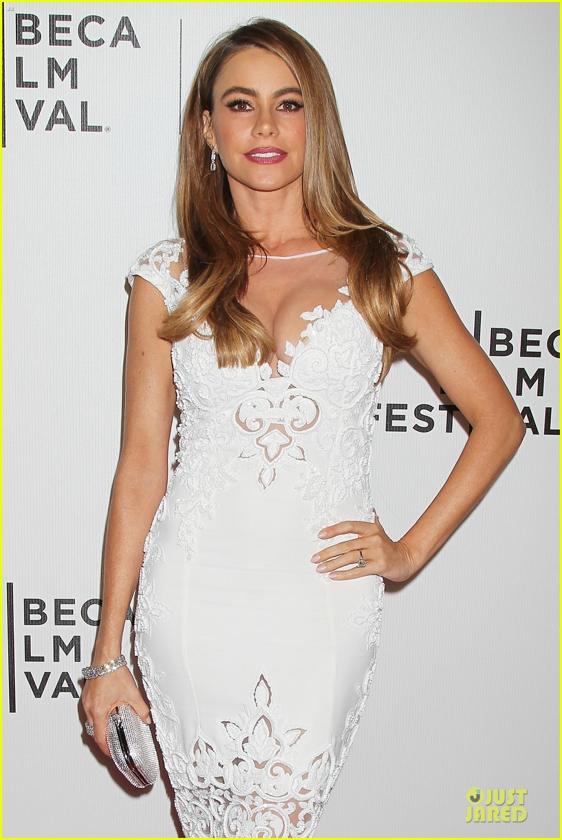 sofia vergara jon favreau premiere chef at tribeca 103097121