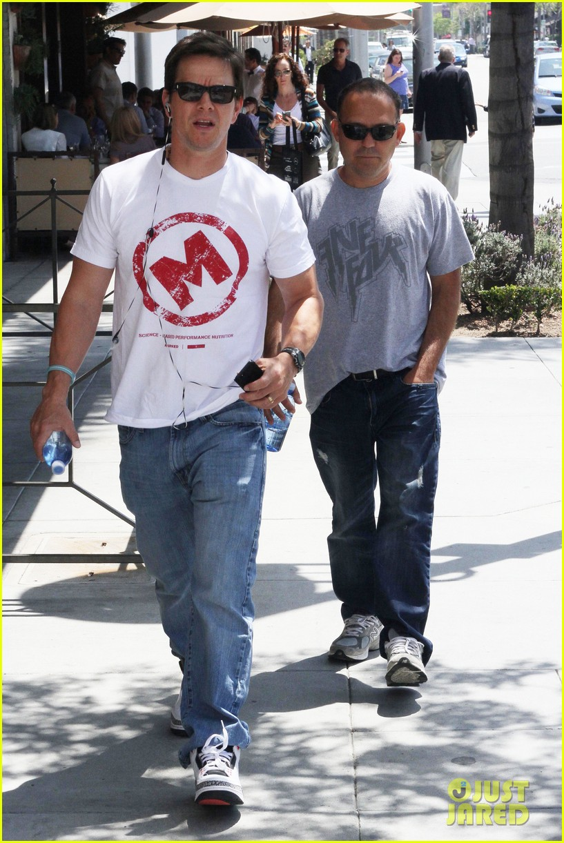 mark wahlberg named in a lawsuit over pain gain character find out why 013097371