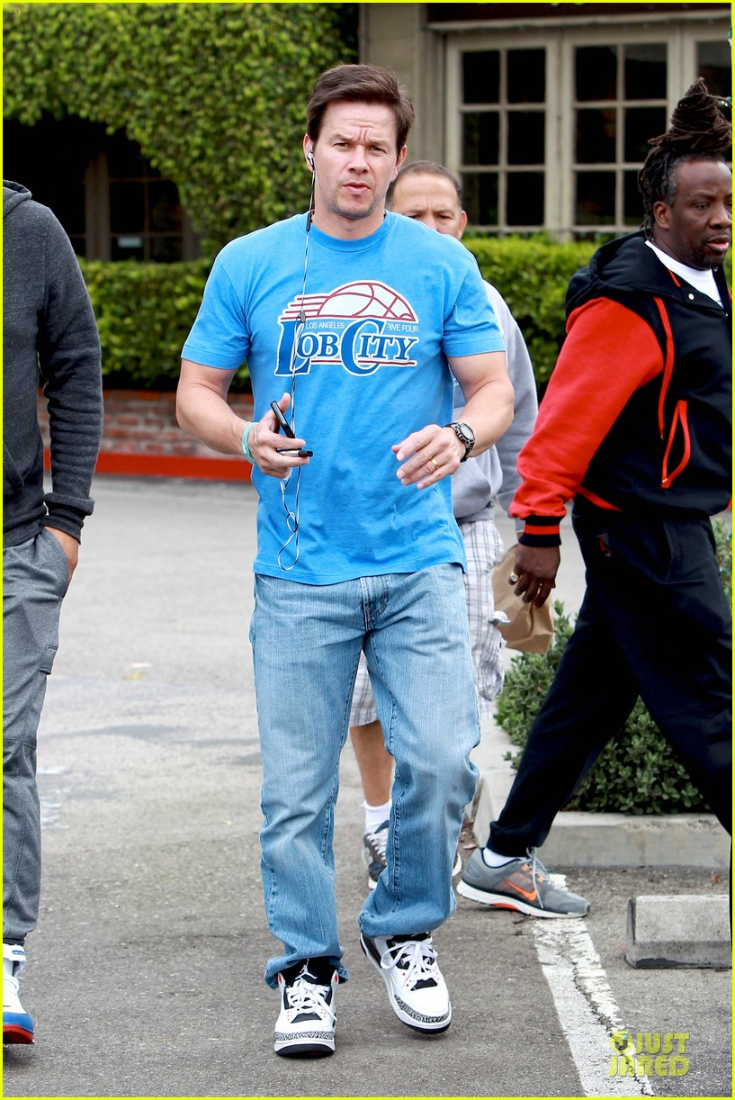 mark wahlberg meets up with jon voight 013099736