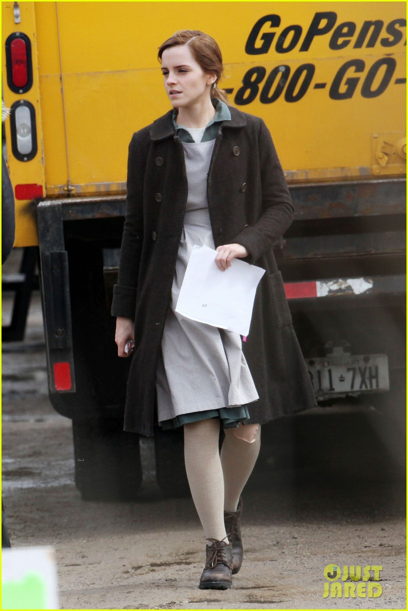 emma watson celebrates 24th birthday on regression set 013092804