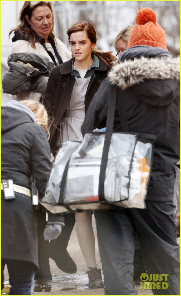 emma watson celebrates 24th birthday on regression set 043092807