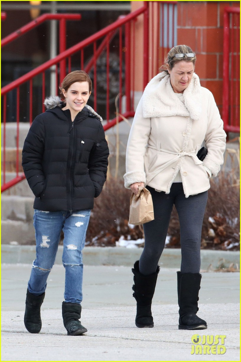 emma watson looked so happy on her 24th birthday 013093399