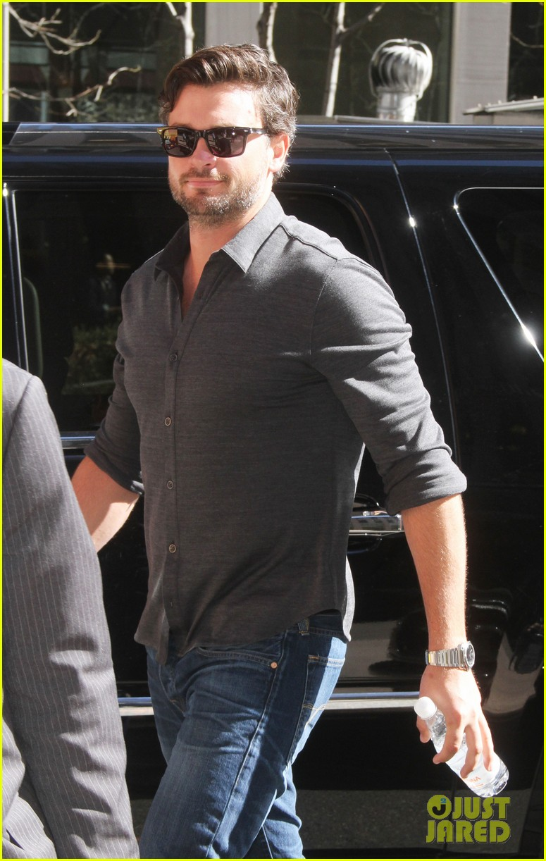tom welling focusing on movies is very proud of smallville 053088501